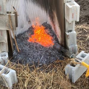 火炎放射器にて除草