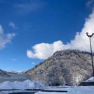 雪国の晴れの景色
