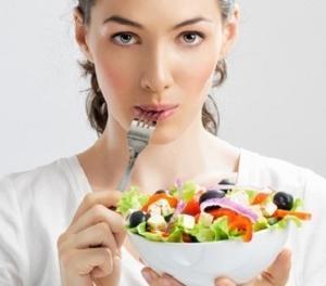 サラダVS炭水化物どっちがダイエットの味方なのか?