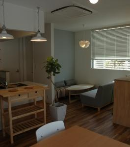 自宅&カフェの写真撮ってもらいました。