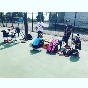 新横浜公園テニスコートでサロンメンバー主催の練習会に同行してアドバイスしてきました