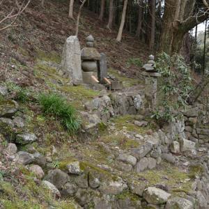 長谷寺「二本の杉」の先 俊成と定家父子