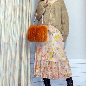 【トレンド】くすみフラワープリントスカートで春コーデ♪