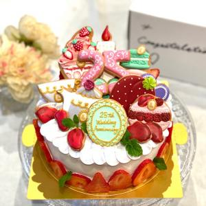『LADUREE』テイスト25th anniversary cake