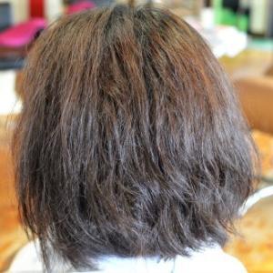 高浸透システインを使ったじっくり還元縮毛矯正で綺麗な髪に大変身