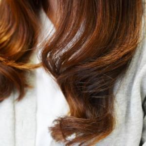 カラーしてからパーマするときの大事な毛先のための前処理方法