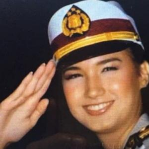 世界の軍隊の中の<女性陣>、「女性群」というか「女性軍」だ。
