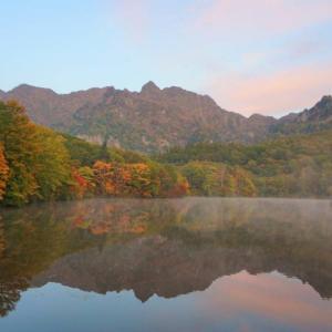 【秋の登山】岩峰と紅葉の絶景へ