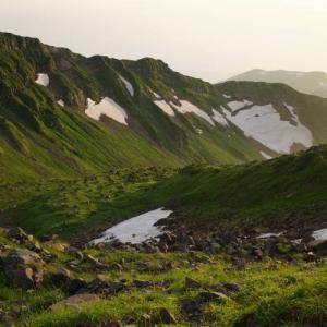 【登山】鳥海山 山小屋泊で見た夕日と花の絶景