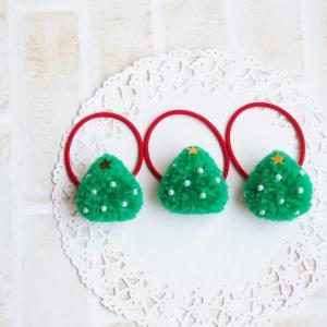 """""""【作り方動画】ブローチやヘアゴムに♪ ポンポンのミニクリスマスツリー"""""""