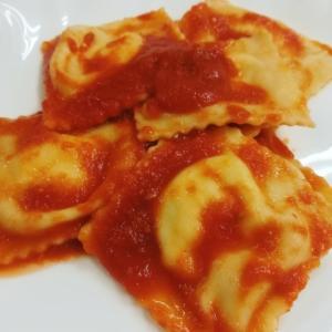 ラヴィオリのトマトソース