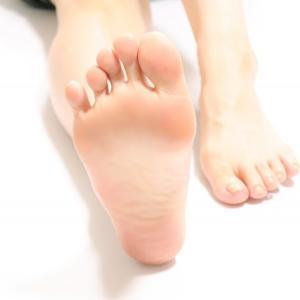 フットケアで解消!足のムレや臭いの攻略法