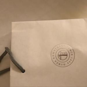 12/7 パティスリー銀座千疋屋の紙袋 を持ってゴルフに行きました!