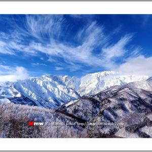 すじ雲と銀嶺