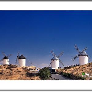 光と彩りのイスパニア紀行 Ⅱ  VOL.38 最終回 紺碧の空と白い風車