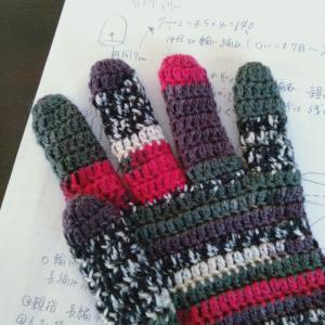かぎ針編みで5本指の手袋
