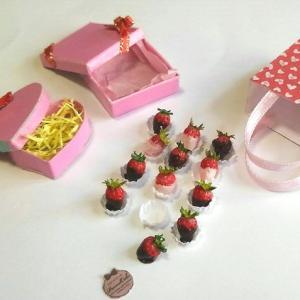 1/6 scale ミニチュア バレンタイン イチゴチョコレート セットもヤフオク出品中!