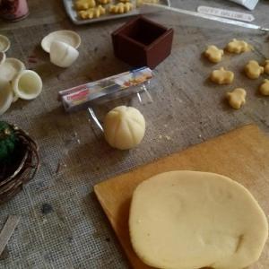 1/6scale ドールハウス ハロウィンのキッチン制作中~小物作りを楽しんでます!