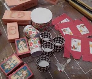 ドールハウス ミニチュア クリスマスのケーキ屋さん(仮)制作中~箱の配置に悩みまくり( ;∀;)