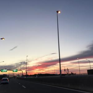 夕方の高速道路
