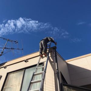屋根点検中