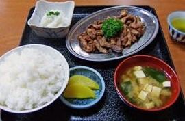 ホルモン炒め定食700円