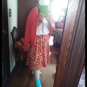 赤い団子スカート