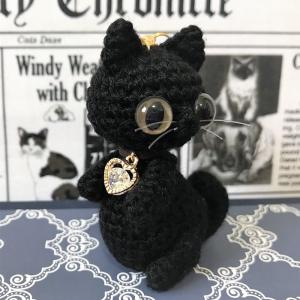 ぽっちゃり黒猫と茶トラ猫