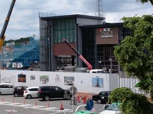 NO.1571 桑名駅橋上化工事、進行中です。