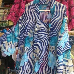 バリ島よりバリ人女性の民族衣装クバヤ(KEBAYA)が綺麗です!の追記