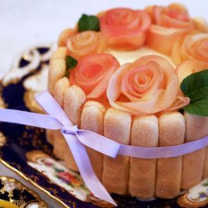 ケーキではないケーキ ミントンの器と共に