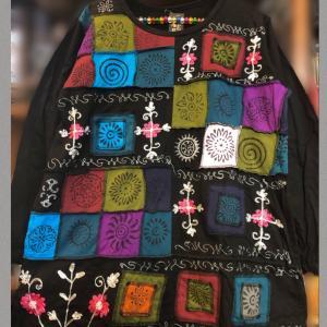 ネパールカラフルパッチワークと花刺繍のチュニック