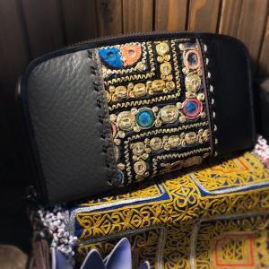 本革とインディアミラー古布の長財布
