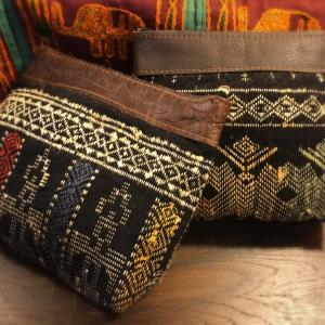 ラオス織り刺繍古布コスメポーチ
