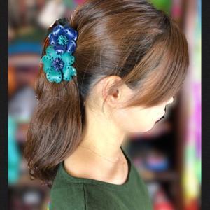 革のお花のヘアクリップ