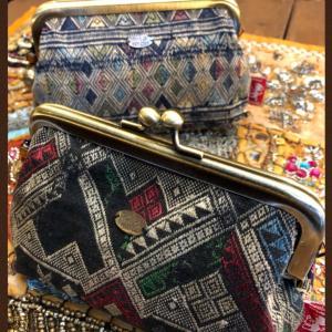ラオスシルク刺繍古布オリジナルがま口ポーチ