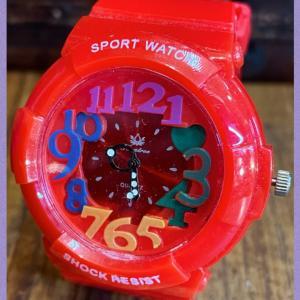 夏にピッタリ♪ポップで可愛い腕時計