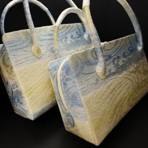 きれいな色合いの利休バッグ2020 銀撚箔波流水文様・八寸、九寸 西陣正絹帯地使用の和装バッグ