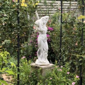 10月上旬の庭の様子「ダリア」「ロシアンセージ」「ムクゲ」