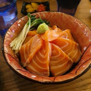 【はち どんぶり】食べたかった『さけどんぶり』食べてきた(*´∇`)