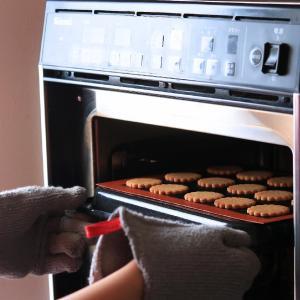 【cottaコラム】お菓子の焼きムラをなくすには?オーブンの癖を知ろう