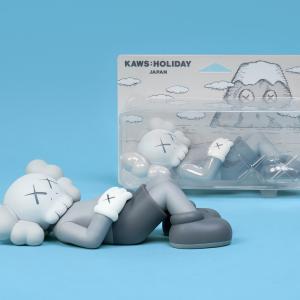 KAWS HOLIDAY JAPAN(カウズホリデイジャパン) 富士山×カウズ オンライン販売