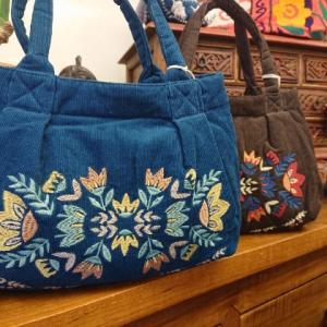 お花の刺繍☆コーデュロイトートバッグ
