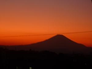茜色に染まった富士山