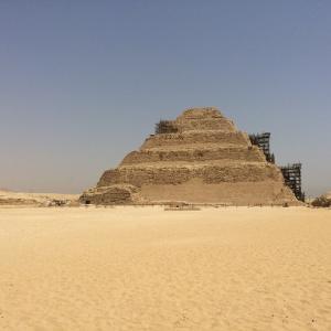 サッカラの階段ピラミッドの修復が完了!(外観)