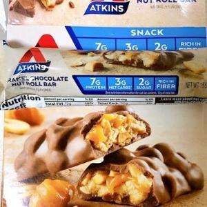 アトキンスバーダイエット♡味は正にスニッカーズ★アトキンスバーは今まで色々食べてきましたが、結局これに落ち着いた感じです。