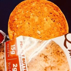 【美味しい!】大好きなプロテインクッキーでランチ♪ #プロテインクッキー #ピーナッツバター #クエストプロテインクッキー #クエストバー