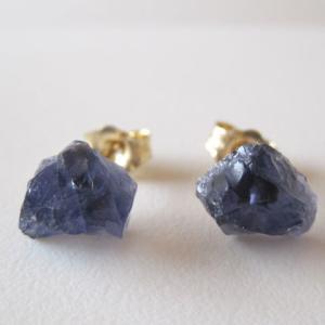 新作:アイオライトの原石ピアス/Tanzania14kgf