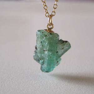 新作:レア☆エメラルドの原石ネックレス 結晶柱/エチオピア産 14kgf