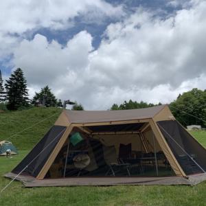 tent-Markのファスナーサポートバーで、出入り口のファスナーの開閉を楽ちぃんに!!